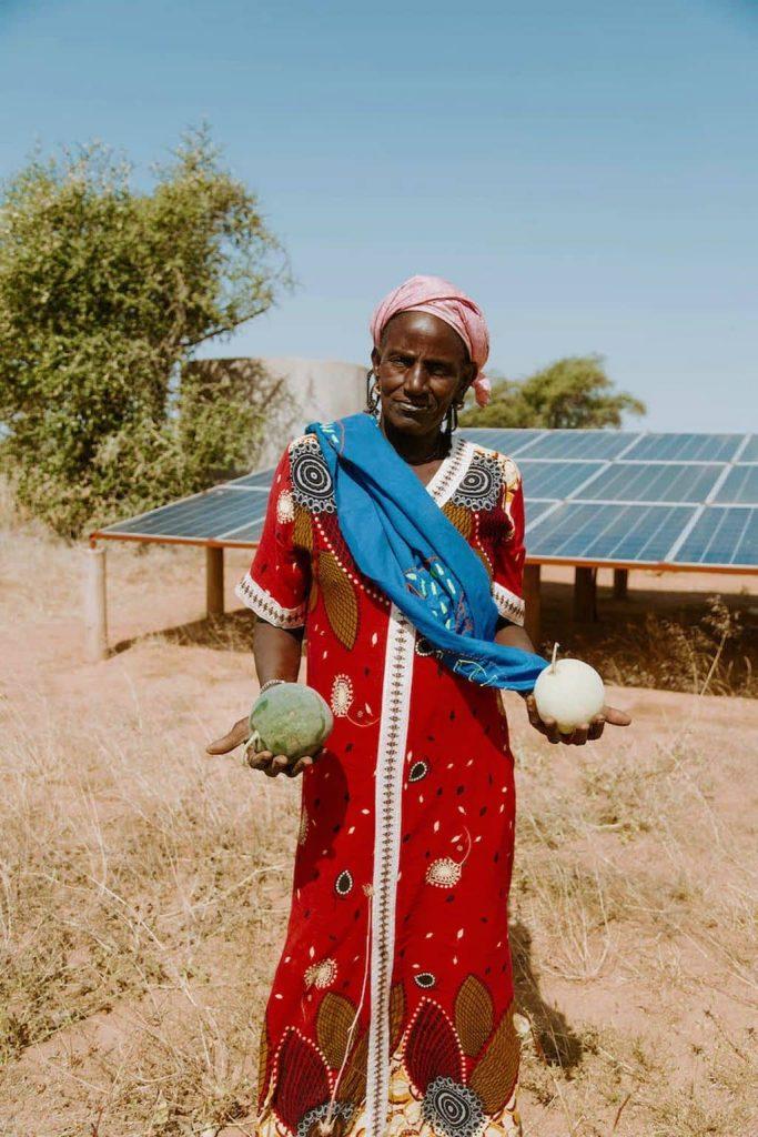 Vrouw in Senegal Heifer